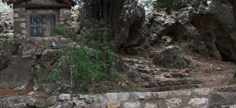 Chemin de Croix en faïence à Ampus Var menant vers la grotte - photo Nadine Bérenguier 4