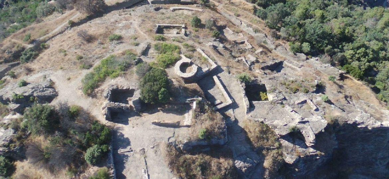 le-village-medieval-du-fort-freinet_4629320_1