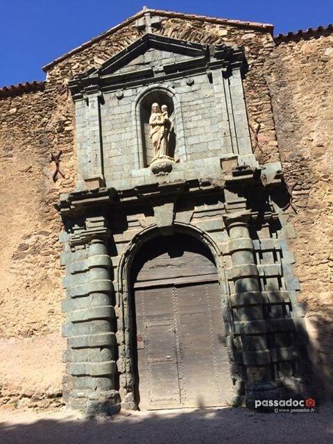 La porte d'entrée de la Chartreuse de la Verne - Photo : Maryse Laugier