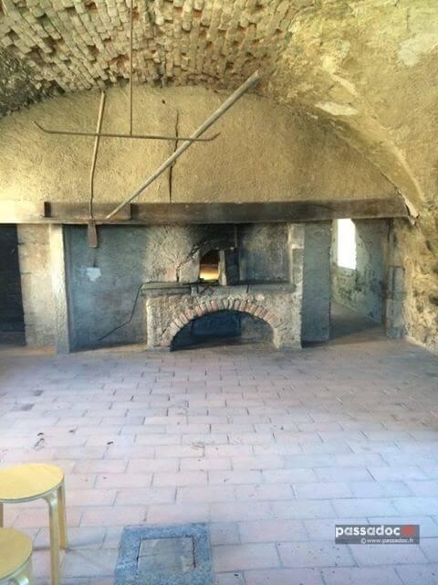 Le four à pain restauré dans la Chartreuse de la Verne - Photo : Maryse Laugier