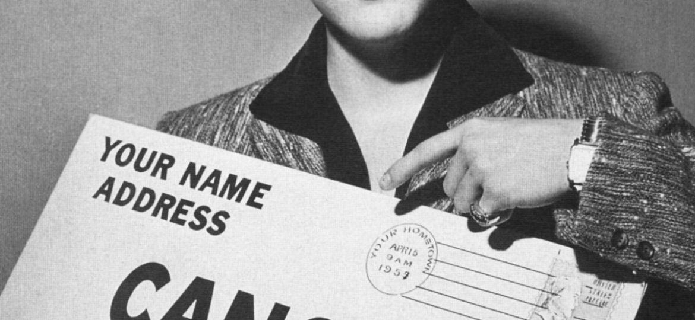 Elvis Presley pose pour la American Cancer Society pour récolter des fonds