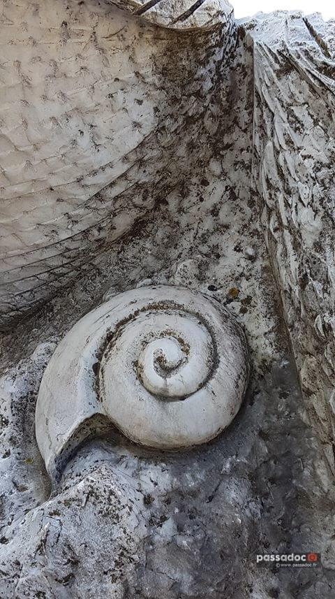 Sculpture de Sirène à Castellane - Alpes de Haute Provence - Photo Maryse Laugier