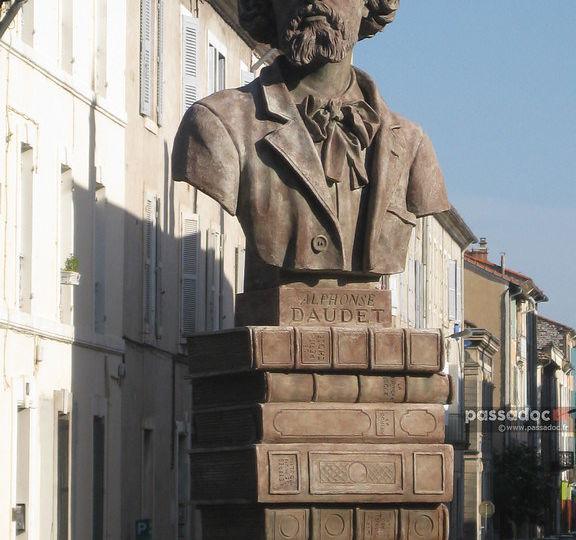 Sculpture Alphonse Daudet - photo André Abbe